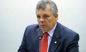 Alberto Fraga..